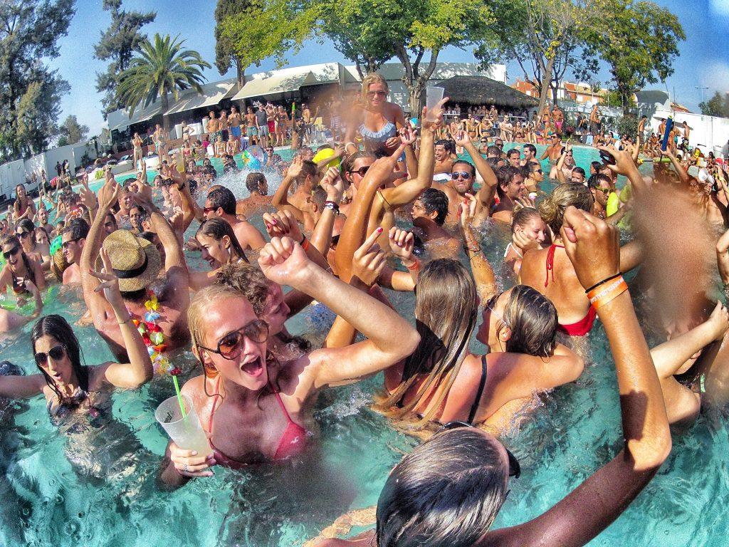 Affitto piscine per feste lago di Garda