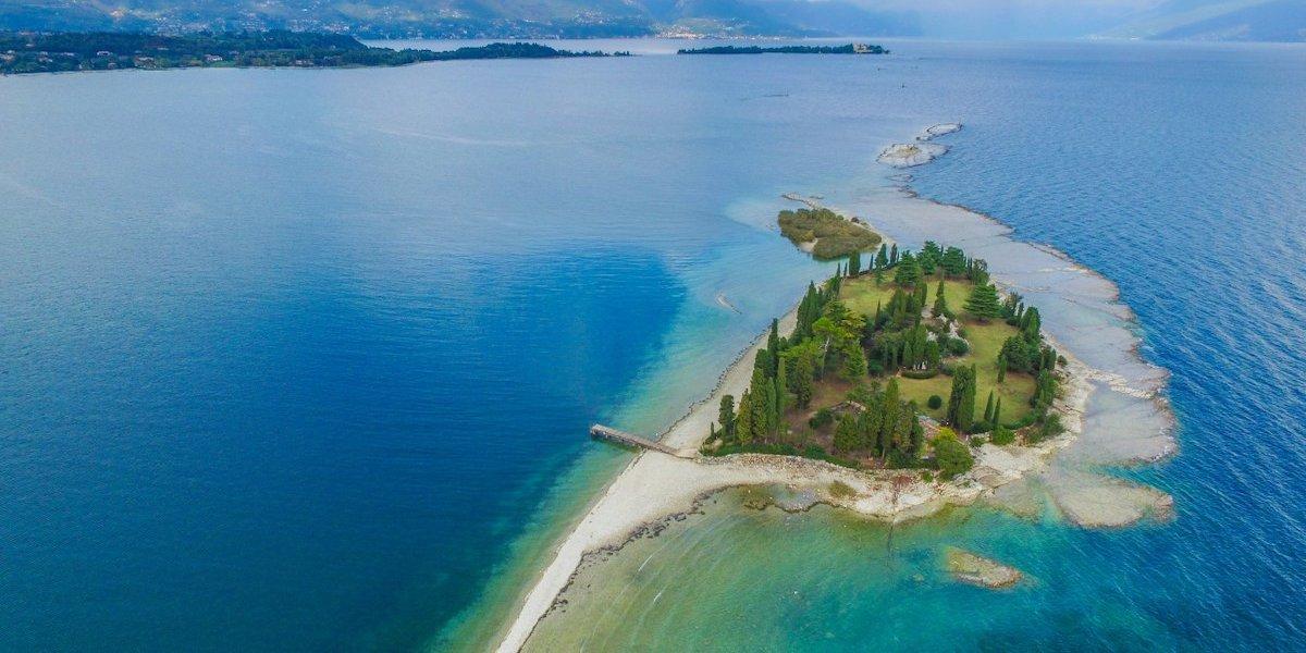 Isola dei Conigli lago di Garda